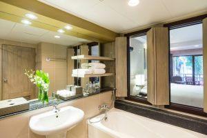 hktmb-bathroom-0020-hor-clsc