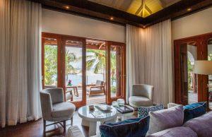 beachfront-pool-suite