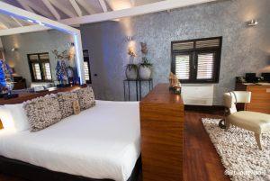 honeymoon-suite-v5632503